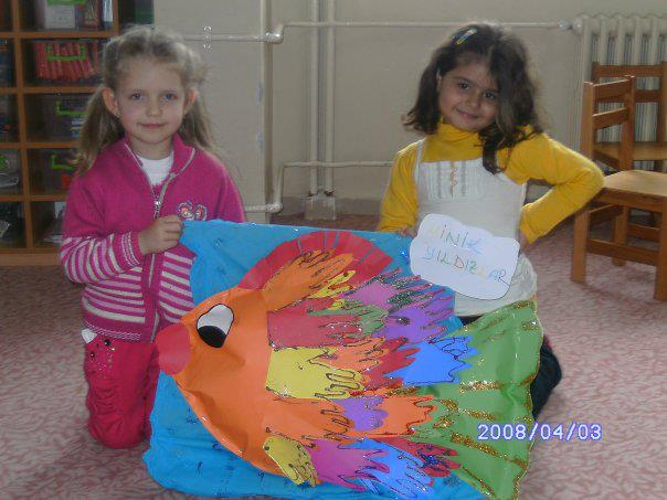 handprint fish craft idea for kids