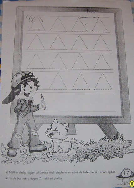 preschool_triangle_worksheets_trace_and_color (12)