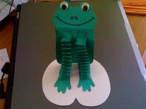 accordion frog craft