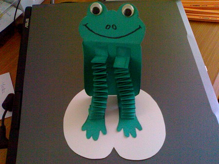 accordion frog craft