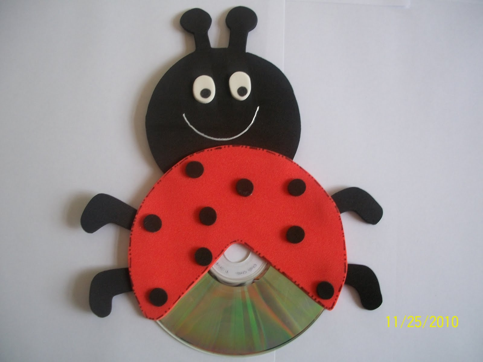 cd lady bug craft (1)