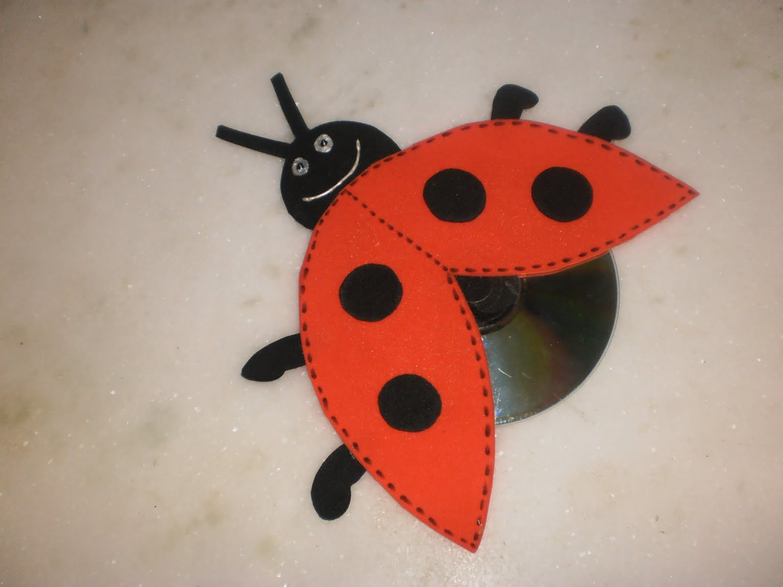 cd lady bug craft (2)