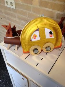 paper plate horse cart