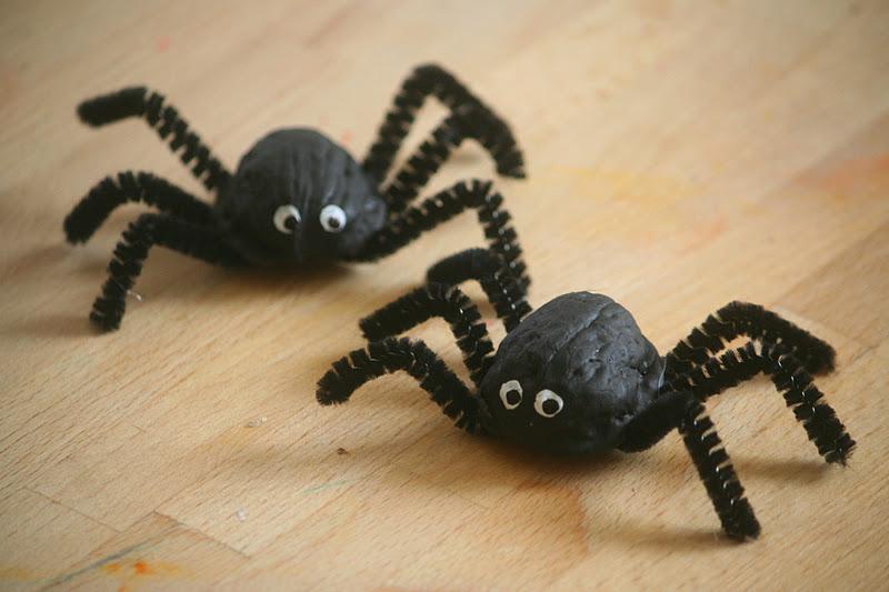 walnuts spider craft