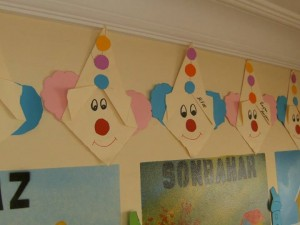 easy origami clown craft