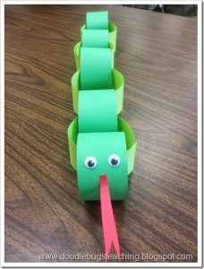 paper roll snake craft