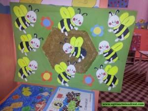 free bee bulletin board
