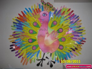 free peacock craft idea for kids (4)