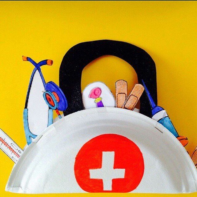paper plate doctor bag craft
