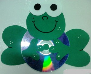 cd frog craft with template (1)
