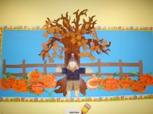 fall tree bulletin board (8)