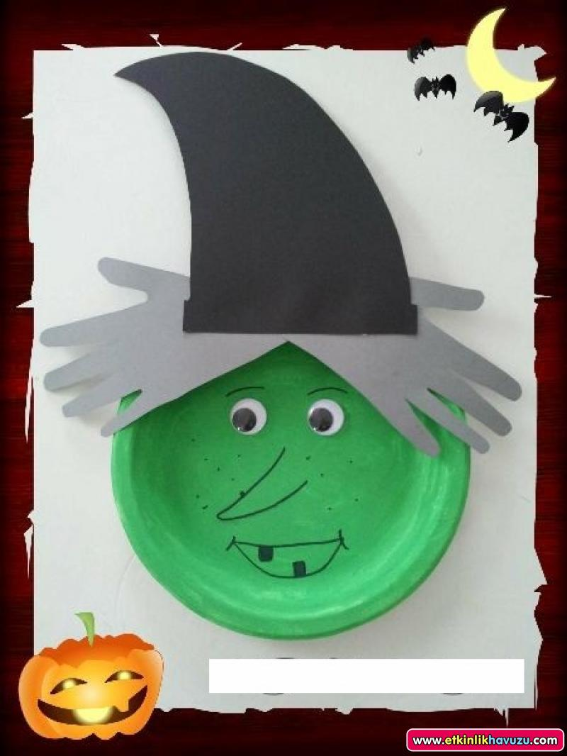 paper plate and handprint witch craft
