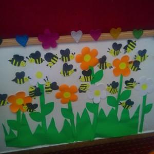 bee bulletin board idea for kids (2)