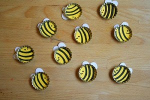 bees from bottle cups