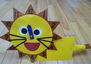 lion clock craft