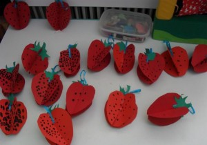 3d strawberry craft