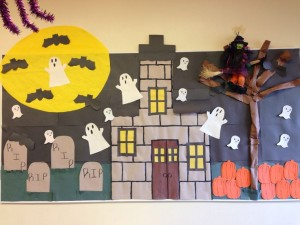 free halloween bulletin board (4)