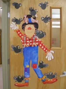 free scarecrow bulletin board (3)