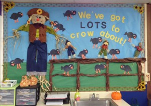 free scarecrow bulletin board idea for kids (1)