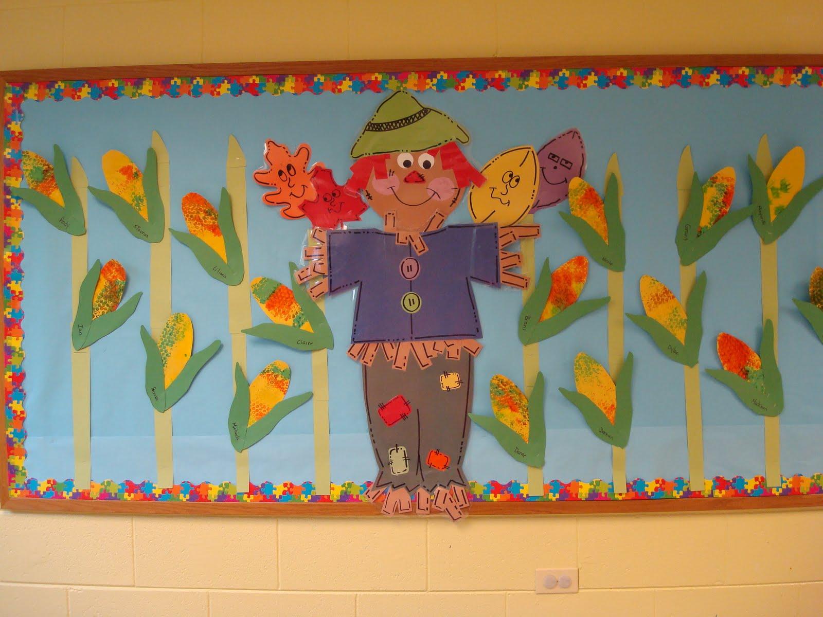 free scarecrow bulletin board idea for kids (2)