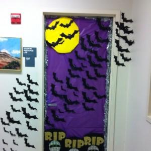 halloween_door_decoration