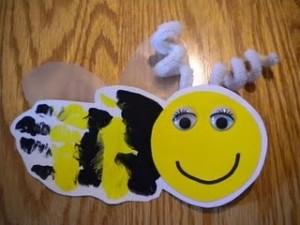 handprint bee craft idea