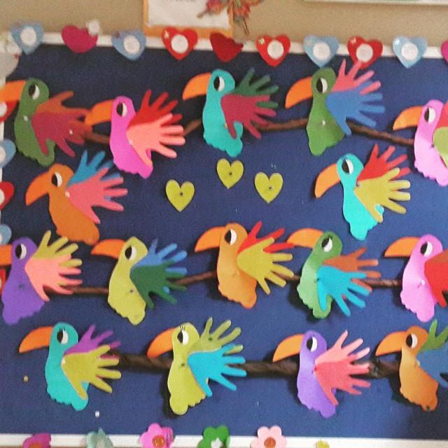 handprint parrot craft
