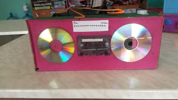 milk box and cd radio craft