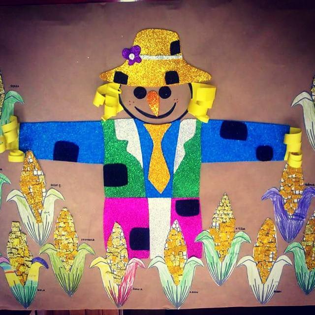 scarecrow bulletin board idea (1)