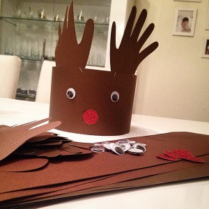 deer hand band craft 1