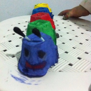 egg carton caterpillar craft (1)