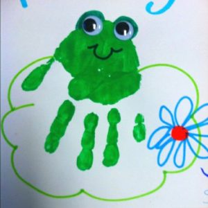 handprint frog craft idea