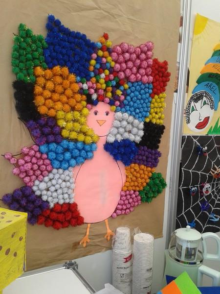 peacock bulletin board idea (2)