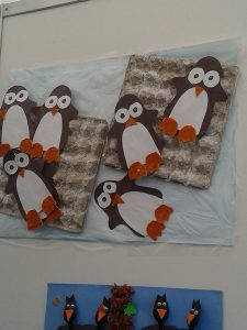 penguin bulletin board idea for kids (2)
