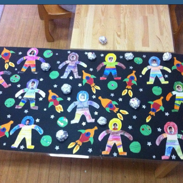 astronaut-bulletin-board