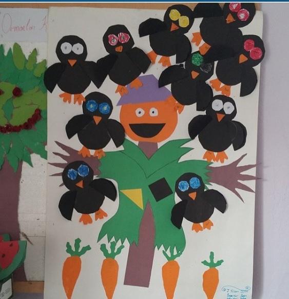 scarecrow bulletin board idea for kids