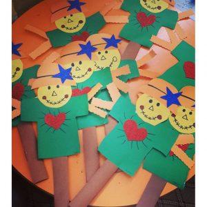 scarecrow craft idea for fall