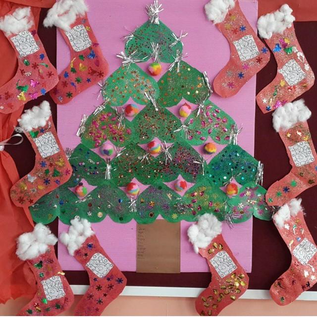 christmas-tree-bulletin-board-idea