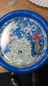 paper-plate-snow-globe-craft