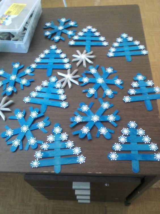 popsicle-stick-snowflake-craft