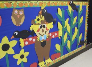 free-scarecrow-bulletin-board-idea